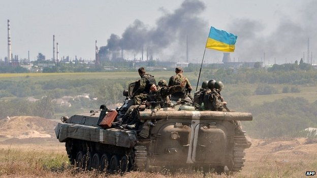 Ukrainian troops on patrol in the Lugansk region - 25 July 2014