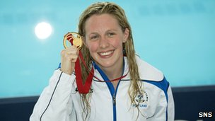 Hannah Miley with her 400m individual medley gold medal