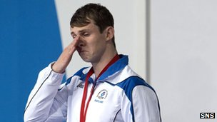 Ross Murdoch in tears after winning Commonwealth gold