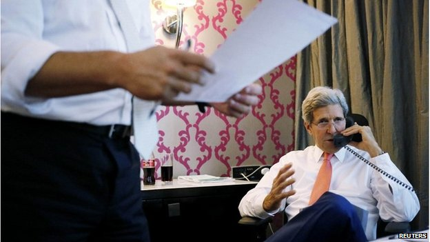 John Kerry on the phone to Israeli PM Netanyahu, Cairo, 25 July 2014