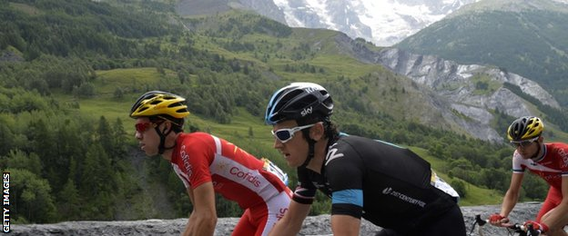 Geraint Thomas riding in the Alps