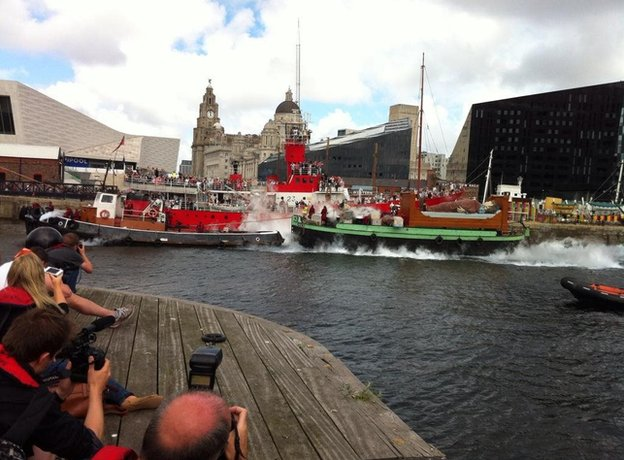 Giants leaving Liverpool via boat
