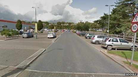 Seventeen hurt in Plymouth car 'cruising'