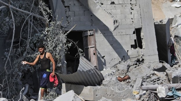 Houses destroyed by Israeli strikes in Beit Hanoun, northern Gaza Strip (27 July 2014)