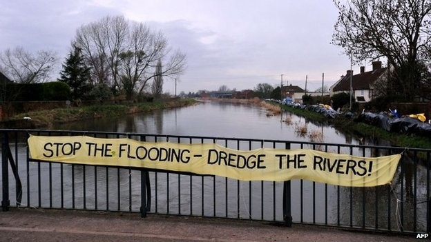 Sign calling for dredging of rivers on the Somerset Levels