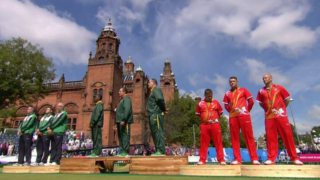 Glasgow 2014: Wales & Northern Ireland medal in men's lawn bowls
