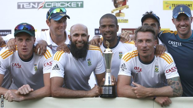 South Africa captain Hashim Amla (bottom centre), Morne Morkel (left), Dale Steyn (bottom right) and AB de Villiers (top right) celebrate beating Sri Lanka