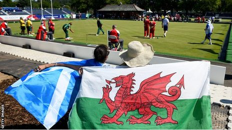 Welsh fans and Scottish fans at the lawn bowls at Kelvingrove