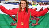 Jazz Carlin with Welsh flag