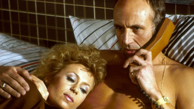 Sally Farmiloe and Stephen Yardley in Howards' Way, 1985