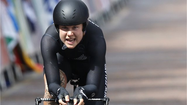 Glasgow 2014: Villumsen snatches gold from Emma Pooley