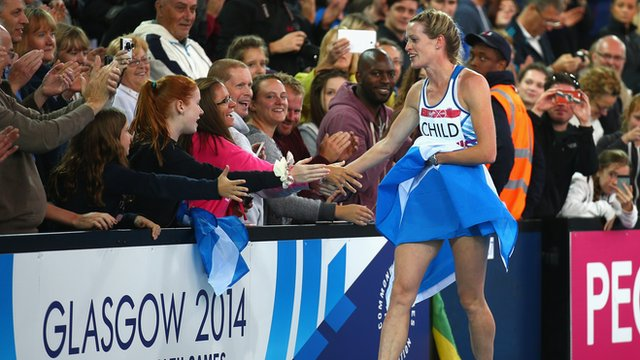 Eilidh Child's lap of honour as the crowd sing