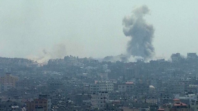 Smoke seen in Gaza - 1 August 2014