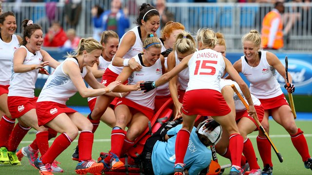 England's hockey team celebrate victory over New Zealand