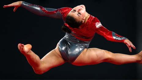 Claudia Fragapane on her way to gold in the floor event