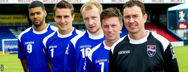 Ross County manager Derek Adams with new signings, left to right, Jake Jervis, Antonio Reguero, Liam Boyce and Joe Cardle