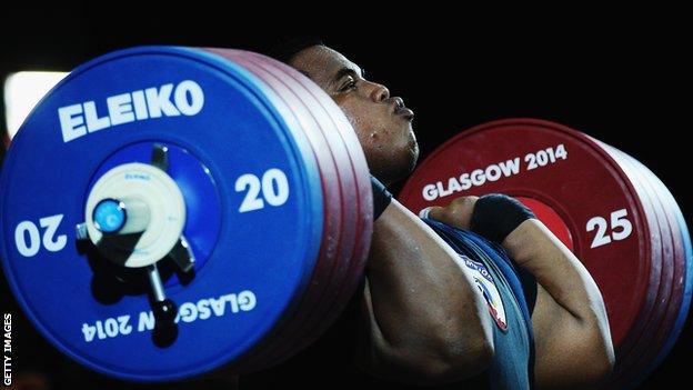 Itte Detenamo, weightlifter