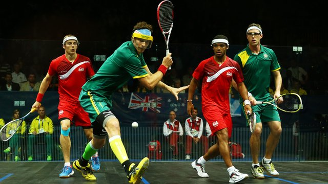 Australia's David Palmer and Cameron Pilley in action