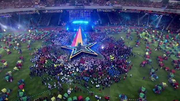 star stage at closing ceremony