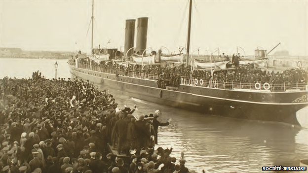 Crowds wave off Jersey company aboard SS Ibex