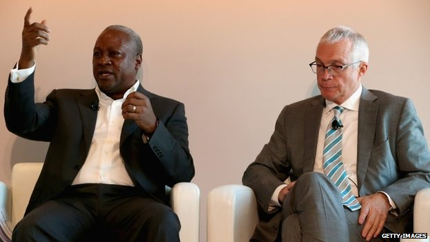 President of Ghana, H.E. John Dramani Mahama (L) and Jay Ireland, President and CEO of GE Africa, participate in a discussion about expanding access to power sources across Africa, at the Newseum, 4 August 2014