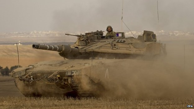 Israeli Merkava tank leaving the Gaza Strip 05 August 2014