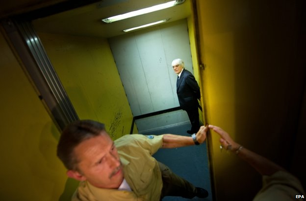 Bernie Ecclestone in a court lift in Munich, 5 August