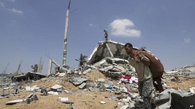 Palestinian in Khuzaa, Gaza, 5 Aug