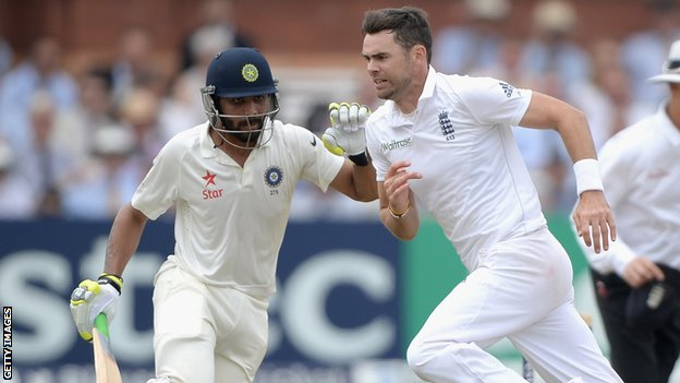 Ravindra Jadeja (left) and James Anderson