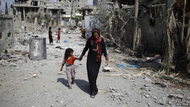 Mother and child in northern Gaza Strip