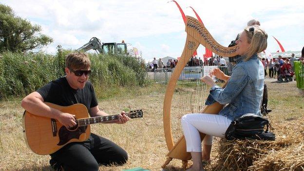 Musicians Mei Gwynedd and Gwenan Gibbard at the 2014 National Eisteddfod