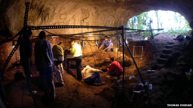 _76801252_excavationofcuevamorinspainrem
