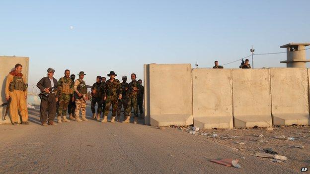 Kurdish Peshmerga at Khazer checkpoint