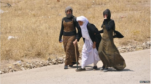 Displaced families from the minority Yazidi sect fleeing the violence in Iraq, 06/08/2014