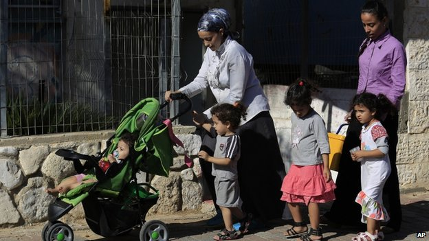 Israeli women and children in Sderot (8 August 2014)