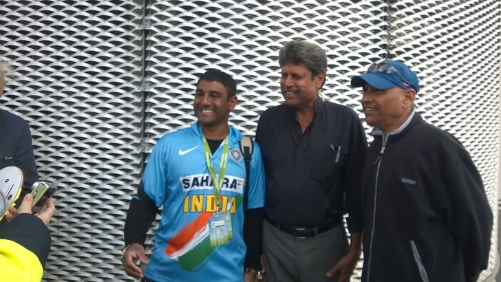 India legend Kapil Dev (centre)