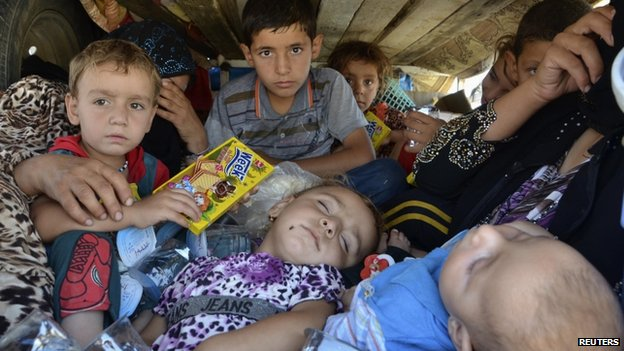 Displaced people from Nineveh province in Suleimaniya province (8 August 2014)