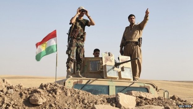 Kurdish Peshmerga fighters on the frontline near Khazer (8 August 2014)