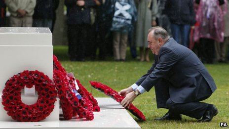 First Minister Alex Salmond laid a wreath at a memorial in Holyrood Park, after the service
