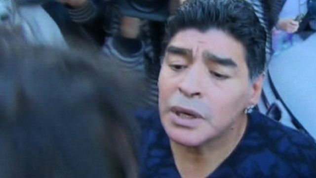 Diego Maradona slaps journalist