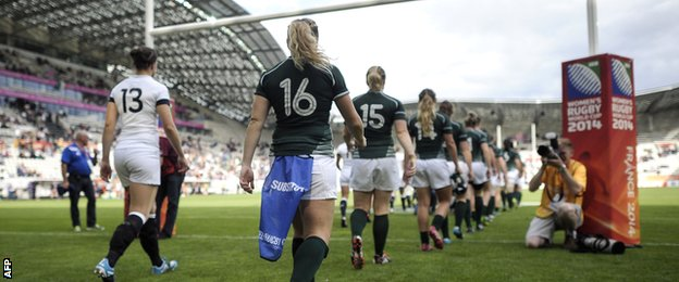 England and Ireland take the field for the Women's World Cup semi-final at Stade Jean-Bouin
