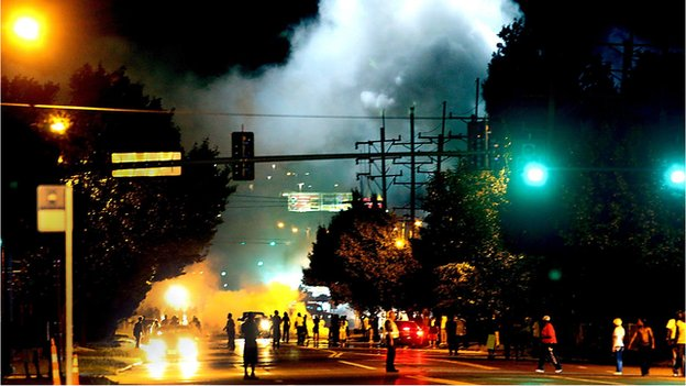 Police and protesters, Ferguson, Missouri (13 August)