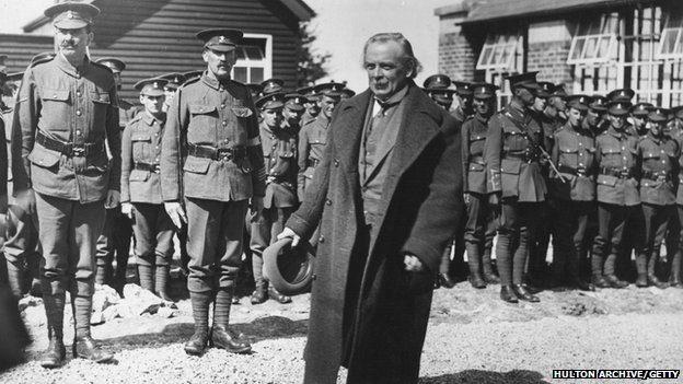 Lloyd George inspecting soldiers