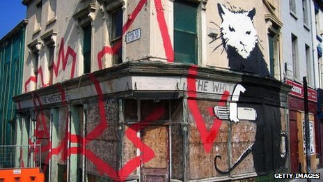 Banksy 39 rat 39 mural to return to liverpool bbc news for Banksy rat mural