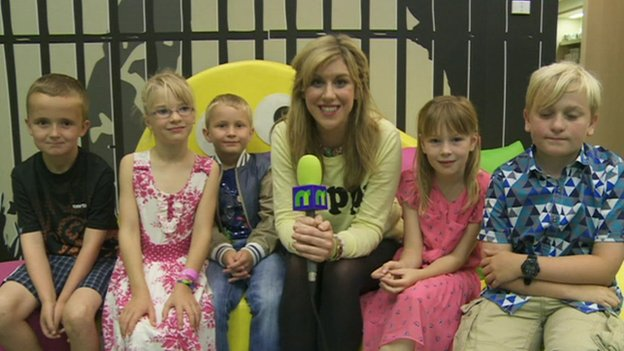 Jenny with five children