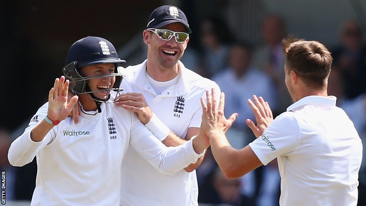 England's Joe Root celebrates catching Murali Vijay