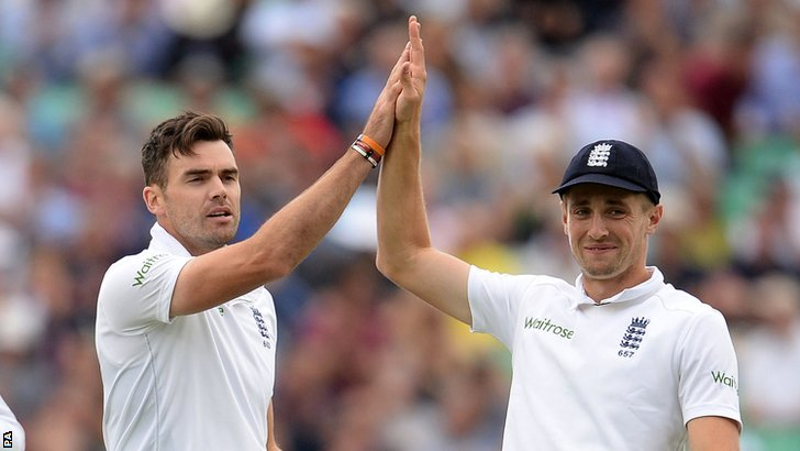 England's James Anderson and Chris Woakes