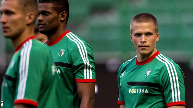Henrik Ojamaa training with Legia Warsaw