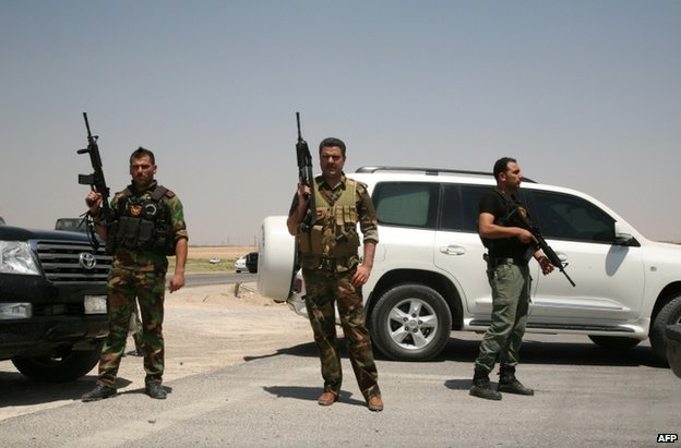 Sunni Muslim tribesmen backing Iraqi security forces near Ramadi, Anbar province, 14 August