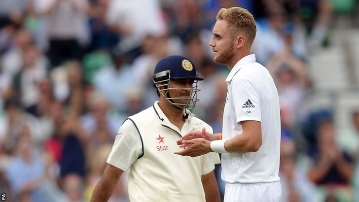 Stuart Broad and Mahendra Dhoni
